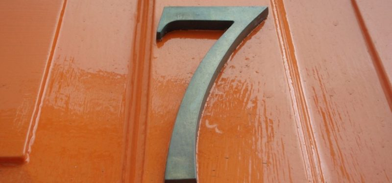 7 on apartment door