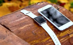 iPhone and Apple Watch sitting in a tree: K.I.S.S.I.N.G.
