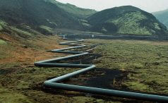 Pipeline zig-zagging through a valley